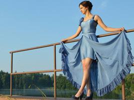 Luxusní ručně barvené hedvábné šaty